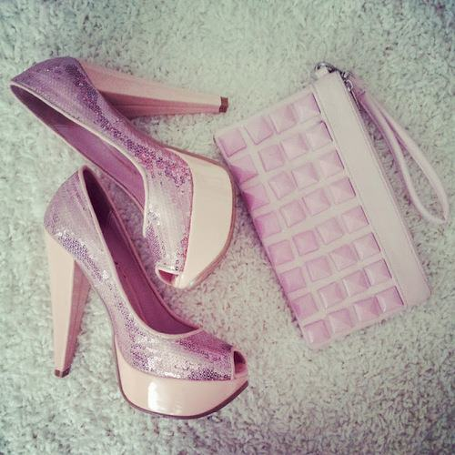 (via Glam Heels & Bag)