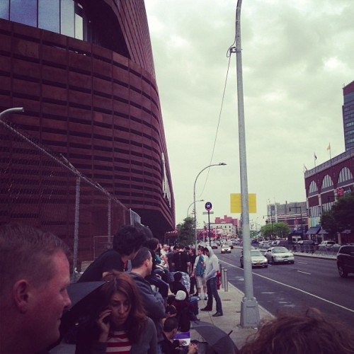 There is already a line! @thekillers @barclayscenter why!!!! (at Barclays Center)
