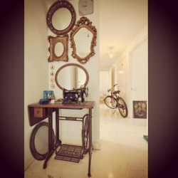 Mirror Mirror… #mirror #interior #architecture #art #bike #sewing #antique #vintage #retro #artist #celebrity #parisfashionweek #pari #athens #london #fashion (at Rosebery Avenue)