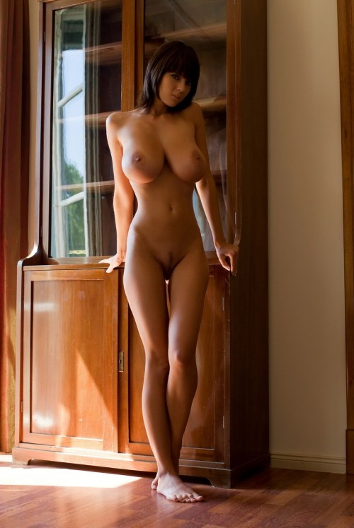 hd-chicks:  Quality erotic pictures!