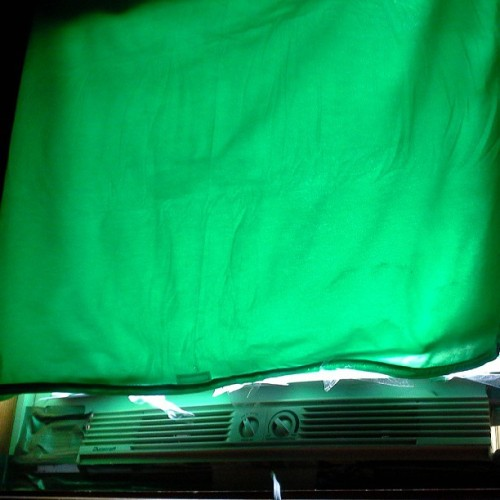 Yea i use a #greenscreen sheet to cover my window from the #sunlight of the #outside #world lol