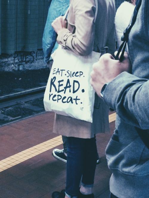 koning-koen:  Saw this in the metro and I liked it sooooo