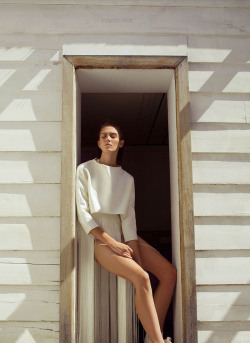 fashionfaves:  Caitlin Lomax by Astrid Salomon