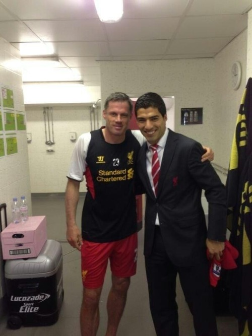 liverpoolmania:  @Luis16Suarez: Today a legend retires from football. I've been lucky to play with him. Thank you very much for everything 'CARRA'.