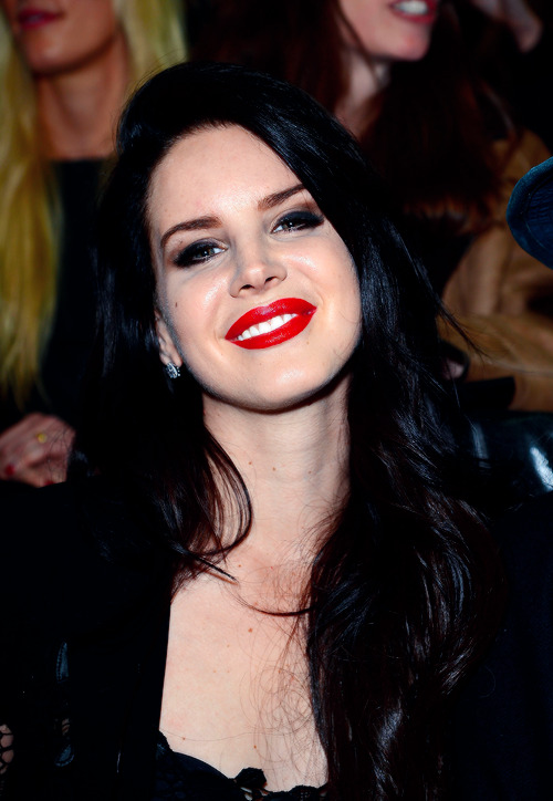 Lana Del Rey Front Row at Versace Fall Winter 2013 | MFW