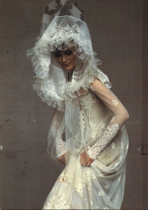 wildthicket:  Shalom Harlow in Christian Lacroix photographed by Irving Penn for Vogue US December 1995