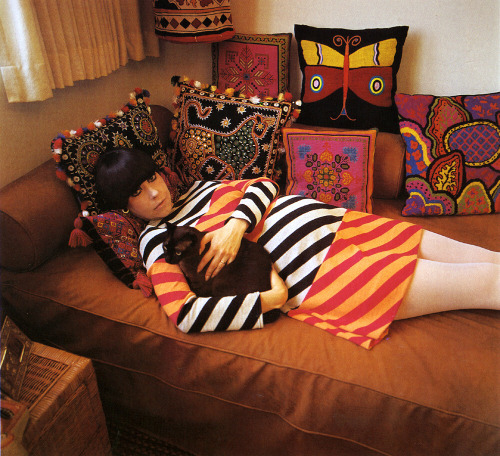 peoplewithcats:  Peggy Moffitt