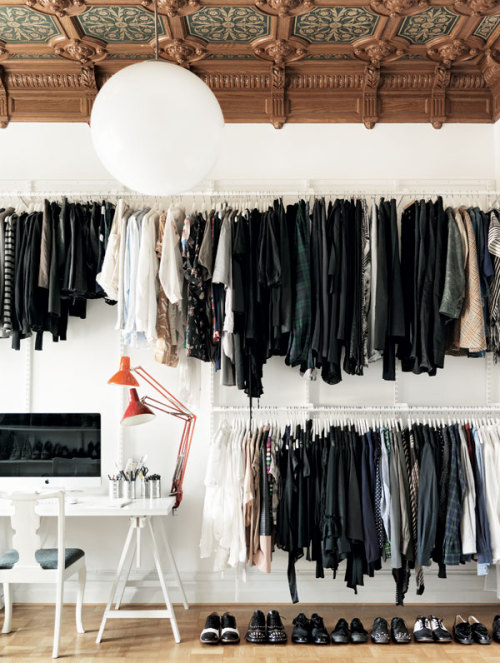 Source: La Maison d'Anna G Now that's a closet! I've said it a hundred times - I personally like to see everything on display (as long as it's kept in some sort of order!) but this would drive some people crazy. How do you feel? Could you live with this? or it is your idea of a hot mess? P.s. How fantastic is that ceiling?!!
