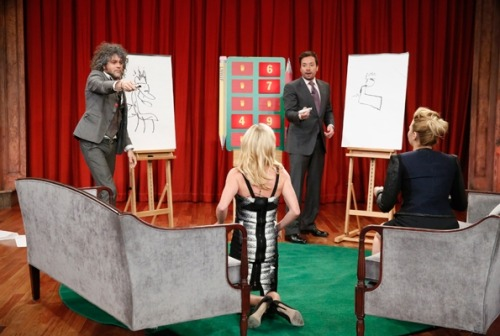ruiraiox:  Wayne Coyne plays Pictionary with Julie Bowen, Demi Lovato, and Jimmy Fallon on Late Night with Jimmy Fallon in New York City on May 15th, 2013.