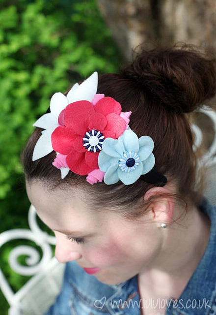 Felt Hairband/Fascinator by LululovesUK on Flickr.Via Flickr: Adapted from Girls Night In - Hannah Read-Baldrey. Book Review and Giveaway on blog. xx