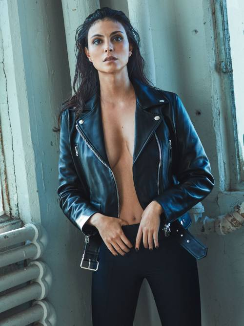 some-monthly-celebs:Morena Baccarin #Morena Baccarin