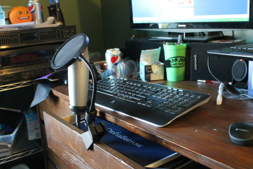 My new microphone all set up and stuff, aww yee