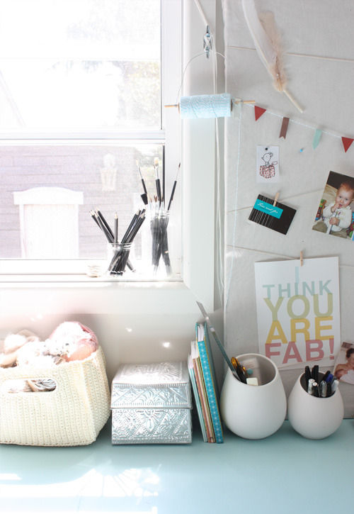 cute workspace details (via The Happy Home Blog)