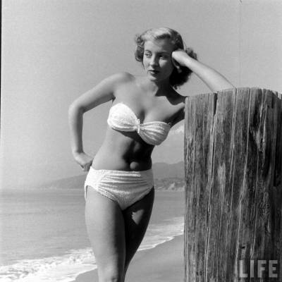 vintagebreeze:  Model in 1948.