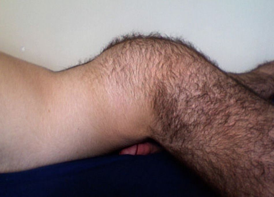 realmenstink:  A HOT HAIRY ASS YOU COULD SNUGGLE UP TO !!!
