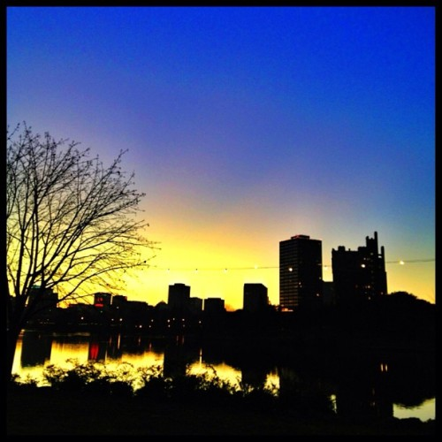 Sunset over Lake Merritt. On my way to the second Super Bowl party. #sunset #oakland #lakemerritt #sky #skyline (at Lake Merritt)