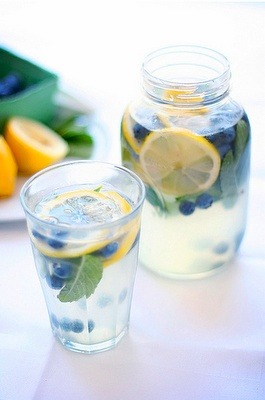 skinny-blisss:  Blueberry Mint Lemonade