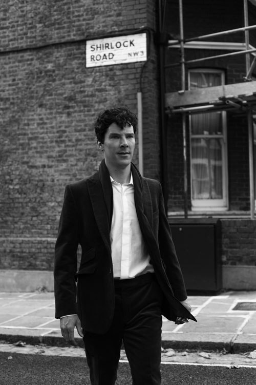 cumberbuddy:  Looks like he's on his way home, the morning after a rather… good 'night out'… ;)