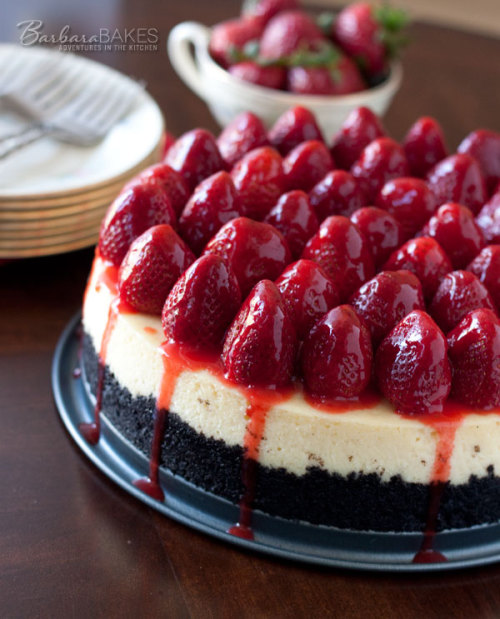gastrogirl:  strawberry cheesecake with oreo crust.