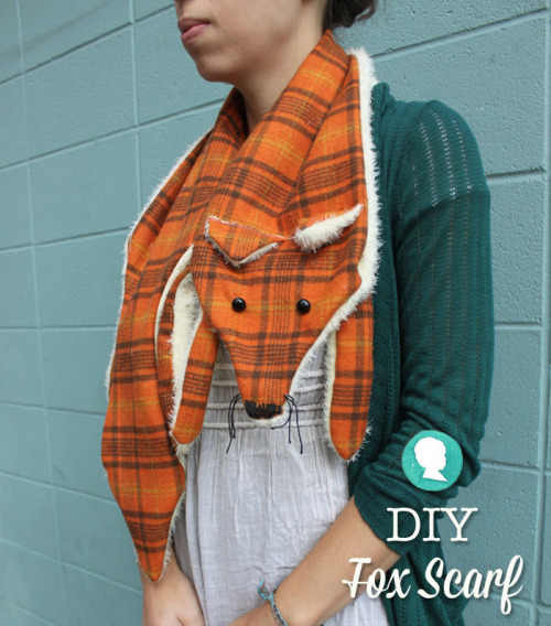 scissorsandthread:  Fox Scarf | Prudent Baby For those of us who don't take their fashion too seriously, may I present the best scarf I have seen in ages! Plus super warm - that 'fur belly' will keep your neck warm against the cold Winter wind!