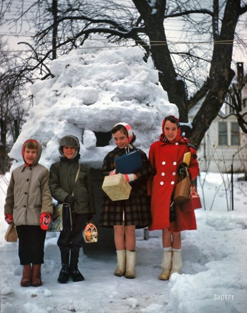 (via Urban Eskimos: 1961 | Shorpy Historical Photo Archive)