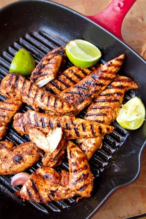 fit-nuts:  gettingahealthybody:  Grilled chicken breast with limes!  *drooling*