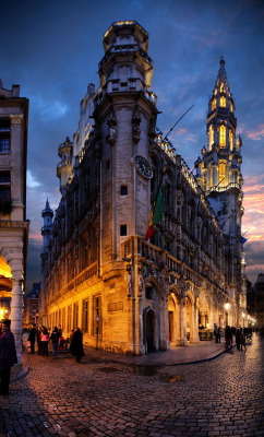 threesixtytravel:  Brussels at night
