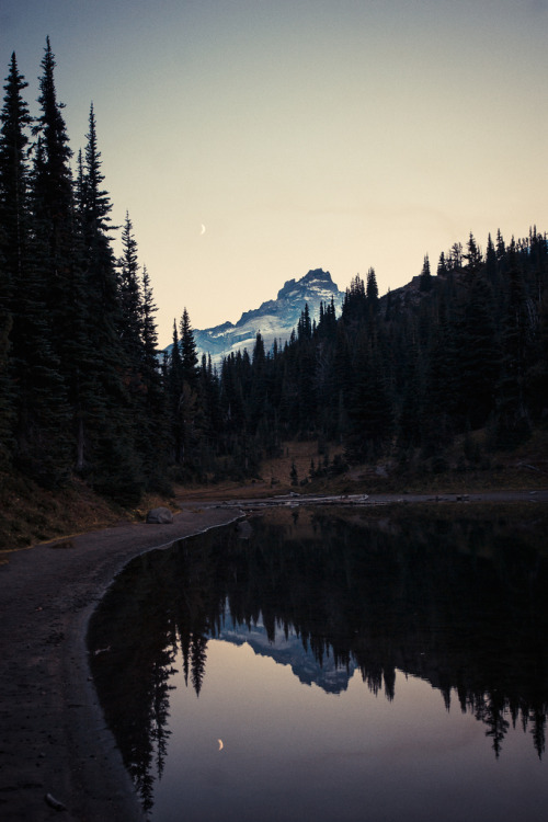theoceanrolls:  Shadow Lake (by photosbysomeguy)