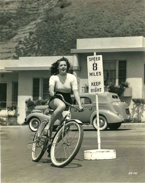 ridesabike:  Anne Gwynne rides a bike.