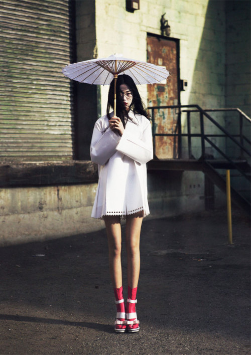 Memoirs of a Geisha. Oliver Stalmans shots Tian Yi for Elle Vietnam May 2013