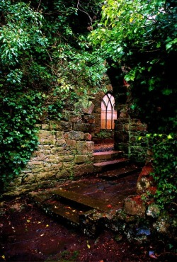 bluepueblo:  Entryway, Ruthin Castle, United Kingdom photo via nevean