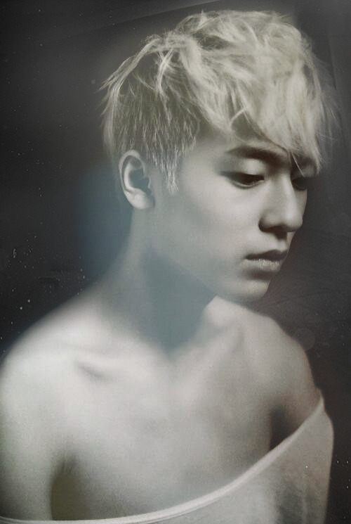 cutieljoe:  SEXY Byung Hun… He looks like an ancient egyptian saint =)) , doesn't he???!! keke