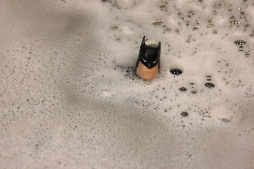 Can't @TheBatman enjoy a nice bubble bath? Apparently it's the the bubble bath Gotham needs.