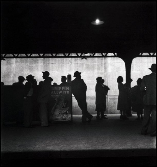 Elliott Erwitt New York City, 1948. From Elliott Erwitt/Magnum Photos