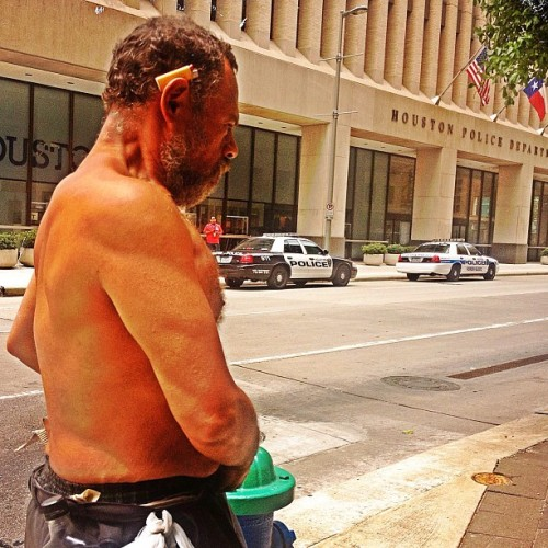 Someone's prepared for the heat. #houston #downtownhouston #noshirt #houstonpoliceheadquarters#cigarettelighter #wine #liquor #bottle #hpd #beardgang #firehydrant  #instagood #photooftheday #happy #picoftheday #instadaily #instamood #l4l #statigram #igers #tagsforlikes #all_shots #instago #bestoftheday #instalike #instaphoto  #instagramhub #igdaily #iphonesia #iphoneonly (at Houston Police Headquarters)