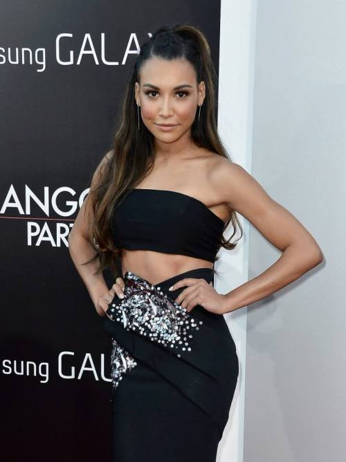 Is it just me or Naya looks thinner than she used to be?!  She looks so different now! I'm loving every part of it!! (even though I miss that long dark hair :')) But at the end of the day, it doesn't matter what she does, she is always the most beautiful and stunning girl I've ever seen!