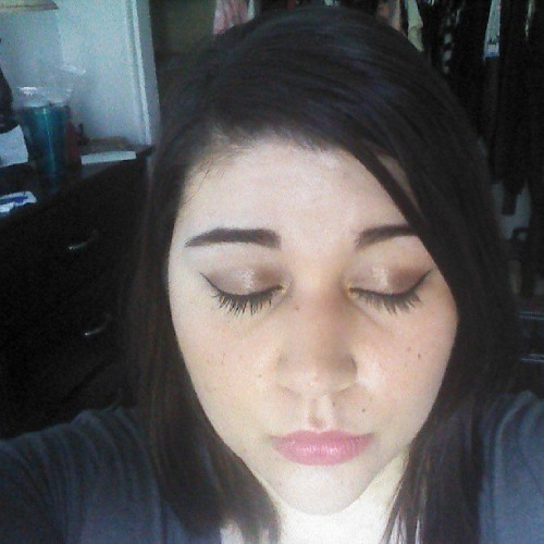 #Makeup look of the day - Cat eye liner, bronze shadow and my favorite @Karen_Murrell lipstick!