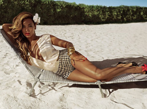 eonline:  Beyonce is the new face of H&M!