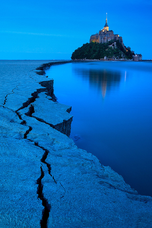 7000stars:  Blue Hour Mont St Michel (by Kah Kit Yoong)
