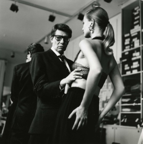 d-i-a-b-o-l-i-q-u-e-s:  Yves Saint Laurent and Model Karen Mulder Photo by: Helmut Newton