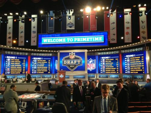 @ESPNNFL: Here is your compete 2013 NFL Draft 1st round selections —-> http://t.co/ETiX2bKDM7  First time in 50 years a RB wasn't selected in the first round. How did your team do today in the first round?