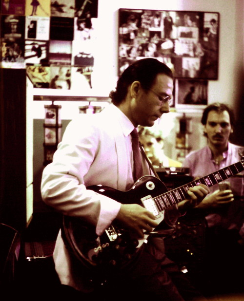 Robert Fripp live i Rough Trades butik, London -85.