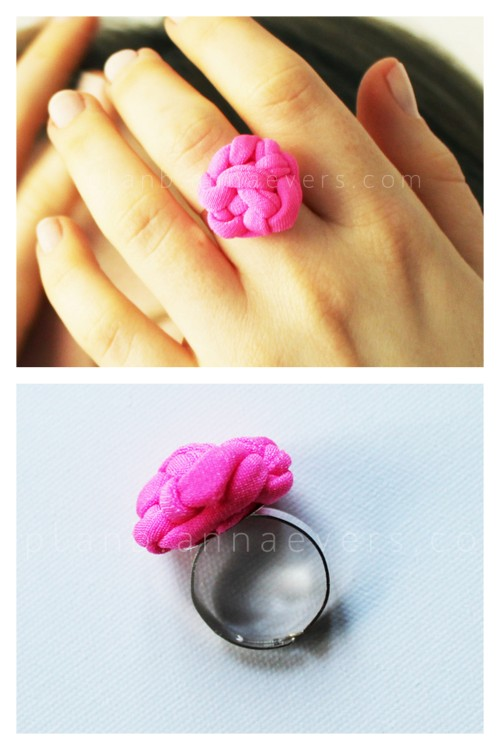 DIY Knotted Fabric Ring Tutorial from Plan B Anna Evers here. Really, if you can tie a simple knot (and if you cannot tie a knot go to this post) you can make this ring. I think this DIY is harder than it looks to get the knots looking pretty and uniform, but the good thing is is you mess up you undo the knots or start over with another strip of fabric. I wonder if you could use those potholder stretchy potholder loops?