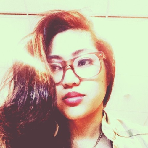 Big glasses. Big hair. Big lips. #waiting #bored #selfy #self #travelling #travel #lonelytraveller #toronto #hair #igers #ignation #instagood #instatoronto #hipster #instalove #iphoneonly #iphoneography  (at Billy Bishop Toronto City Airport (YTZ))