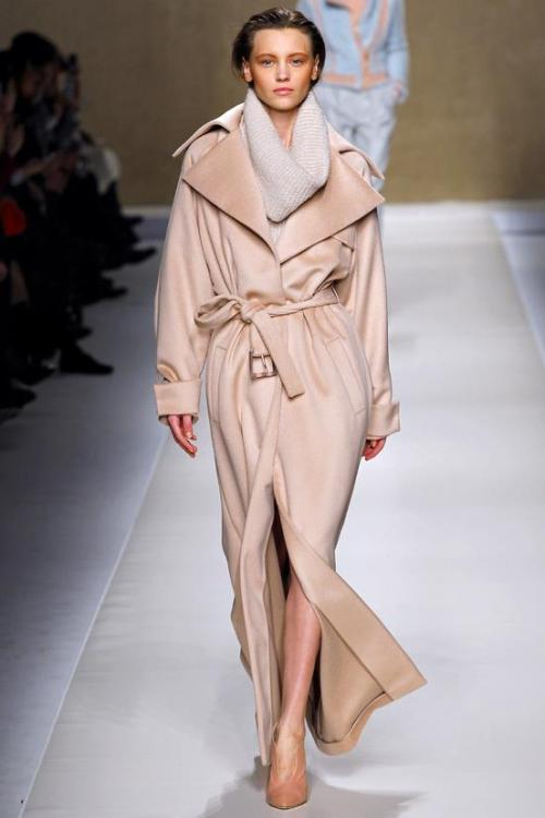 Soft lines, blush tones and winter black of Blumarine's Fall/Winter 2013-2014 collection