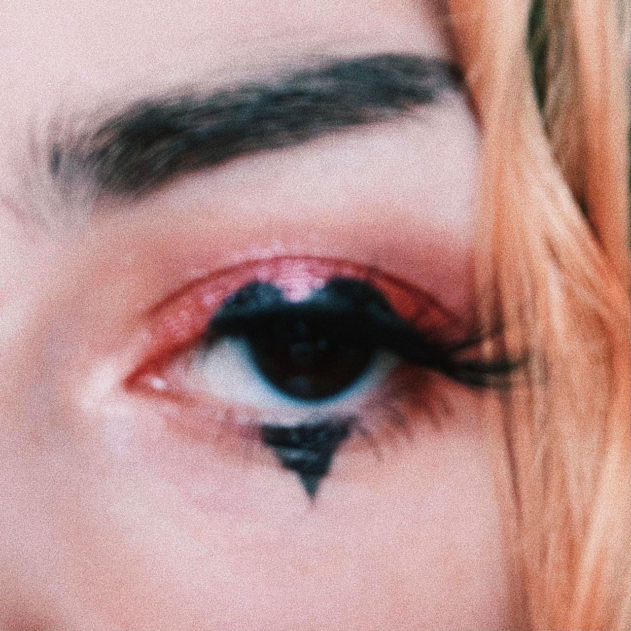 #makeup#lovecore#heart eyes#pink aesthetic#grunge#soft egirl#egirl #lana del rey #eye liner#romance#aesthetic#emo#heart#love