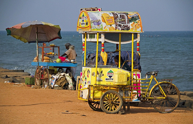 uncommonjones:  Traders by the sea by bag_lady Pondicherry, Tamil Nadu, India
