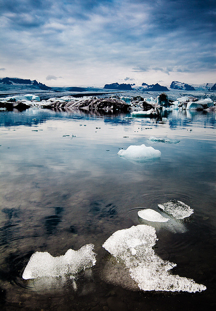 nordravn:  Iceland - Jökulsárlón: Icy Playground by John & Tina Reid on Flickr.