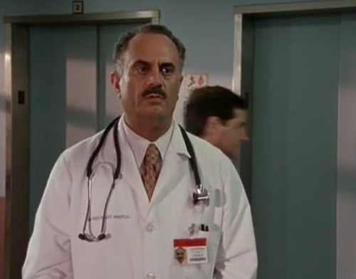 computerheroboy:  LOOK WHO SHOWED UP IN SCRUBS