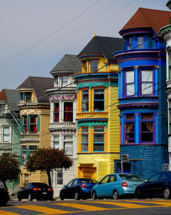 imposinggod:  San Francisco Street by lsk208 on Flickr.
